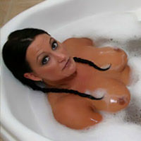 Jacuzzi on pinkvisualpass