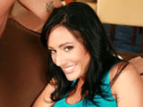 Kira Kane on pinkvisualpass