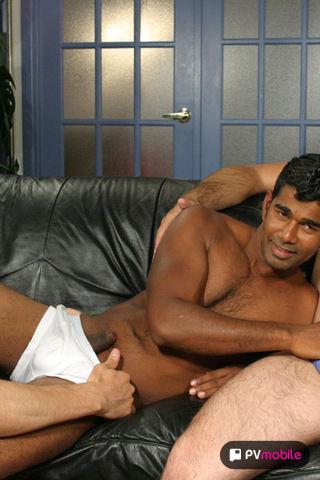 Justin - V2 on malespectrumpad