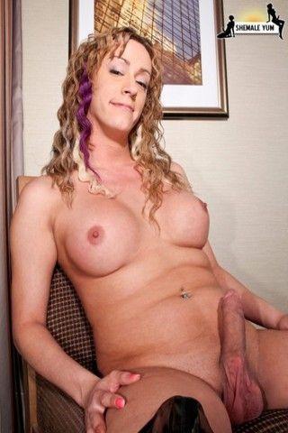 Sexy French-Canadian TGirl on shemaleyumtbms
