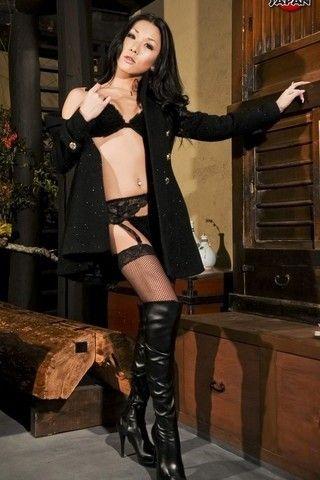 Sexy Karina on shemalejapantbms