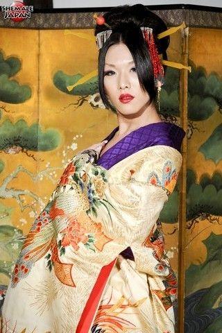 Karina in a Kimono on shemalejapantbms