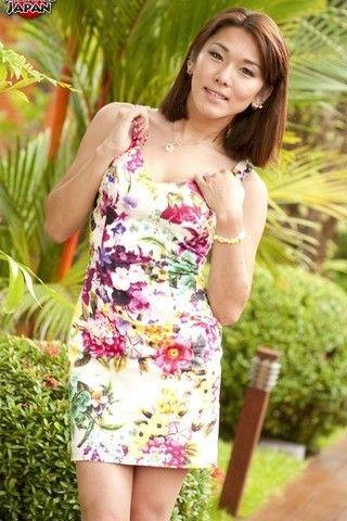 Beautiful Karina on shemalejapantbms