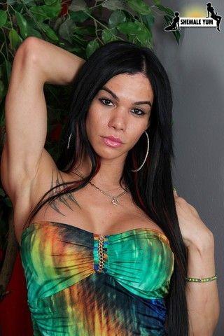 Gorgeous Alexa Erotica Returns! on shemaleyumtbms
