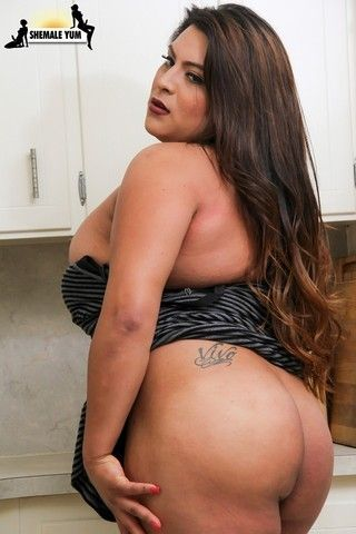 Thick & Sexy Jasmin Love! on shemaleyumtbms