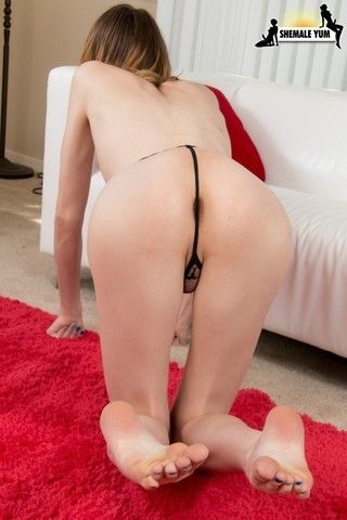 Meet Newcomer Shyvie Summers! on shemaleyumtbms