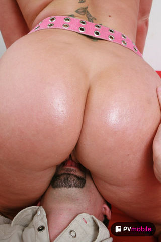 Flower Tucci on pinkvisualpad