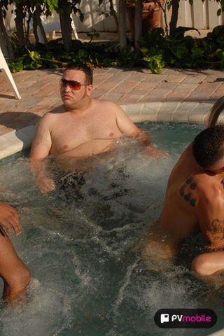 5 Guy Jack Off Party on malespectrumpad