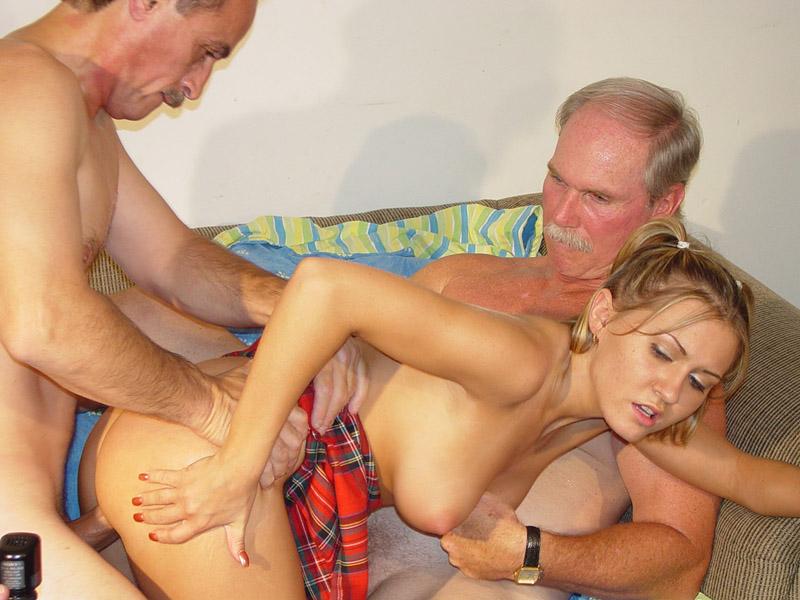 Порно фото дед трахает молодых девушек