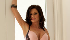 Veronica Avluv on gangbangsquad