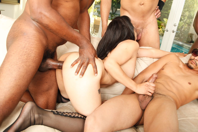 Mika tan cum gang bang