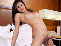 Sonya (2) on mobile.ladyboy-ladyboy