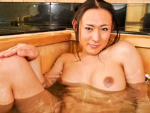 Bath time with big dick Rina on shemalejapantbms