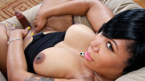 TGirl housewife Malean on blacktgirlstbms