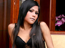 Horny Poy came to play on mobile.ladyboy-ladyboy