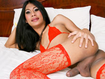 Bell in Red on mobile.ladyboy-ladyboy