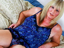 Janet Fields, the MILF on shemaleyumtbms