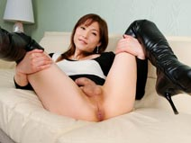 Mai Ayase in Sexy Boots on shemalejapantbms