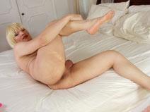 Sexy Pamela on shemaleyumtbms