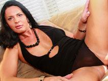 Meet Sexy Lina Cavalli! on shemaleyumtbms