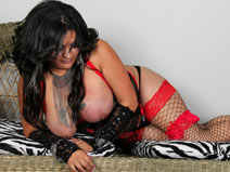 Thick & Sexy Tgirl Paige! on shemaleyumtbms