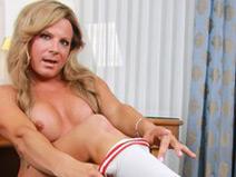 Sexy Taylor Returns! on shemaleyumtbms