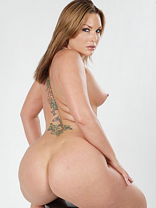 Flower Tucci on bubblebuttsgalore