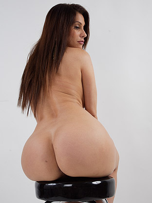 Sheila Marie on bubblebuttsgalore