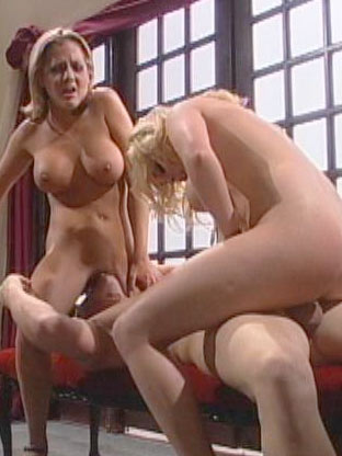 Hot Threesome on wifeswitch