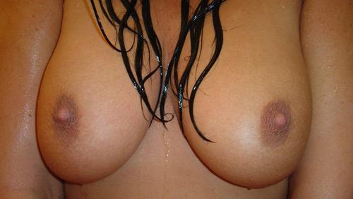 Showering on pinkvisualpad