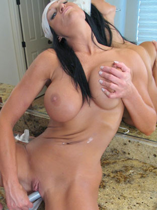Toothbrush Fun on housewifebangers