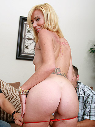Jayden Rose on pinkvisualpass