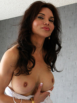 Kirsten Claudia on milfseeker