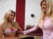 Mindy Lee - V2 on pinkvisualpad