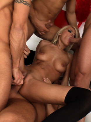 Jasmine Rouge on orgysexparties