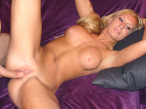 Blonde Housewife on housewifebangers